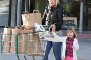 Tori Spelling : la jeune maman et sa petite fille partent en mission