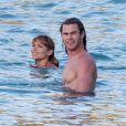 Elsa Pataky et Chris Hemsworth à Saint-Barthélemy, le 19 janvier 2012.