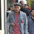 Chris Brown dans les rues de Los Angeles en décembre 2011