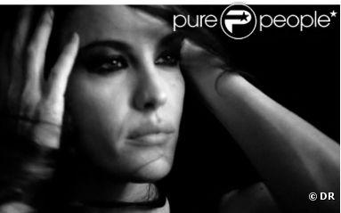 Vidéo ELLE.com de Liv Tyler dans la peau d'une chanteuse pour Givenchy