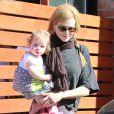 Nicole Kidman et son adorable fillette Faith Margaret le 5 février 2012 à Los Angeles