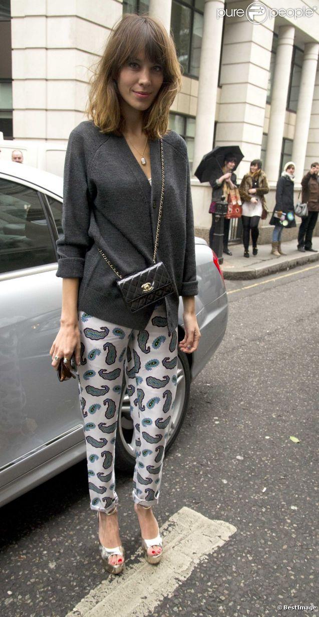Alexa Chung se rend au défilé House Of Holland à Londres, le 18 février 2012.