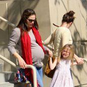 Jennifer Garner enceinte : Violet et Seraphina prennent soin de leur maman