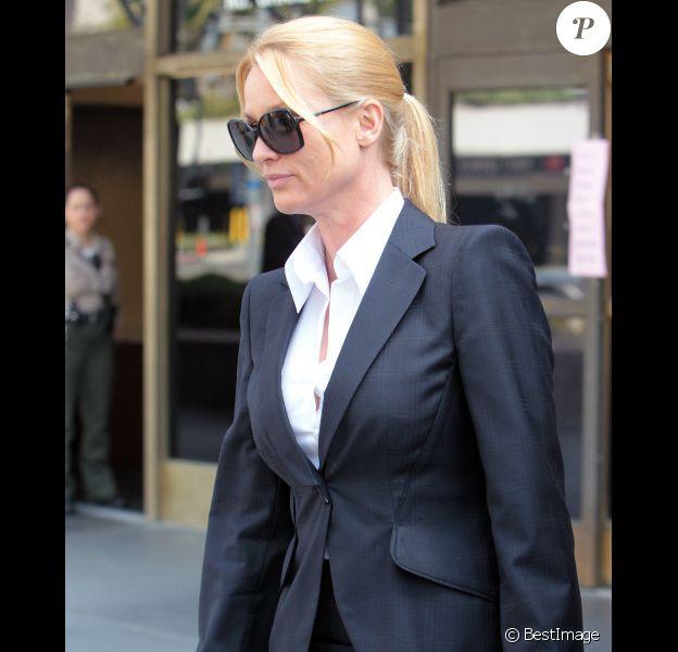 Nicollette Sheridan se rend au procès contre le scénariste Marc Cherry, à Los Angeles, le 1er mars 2012