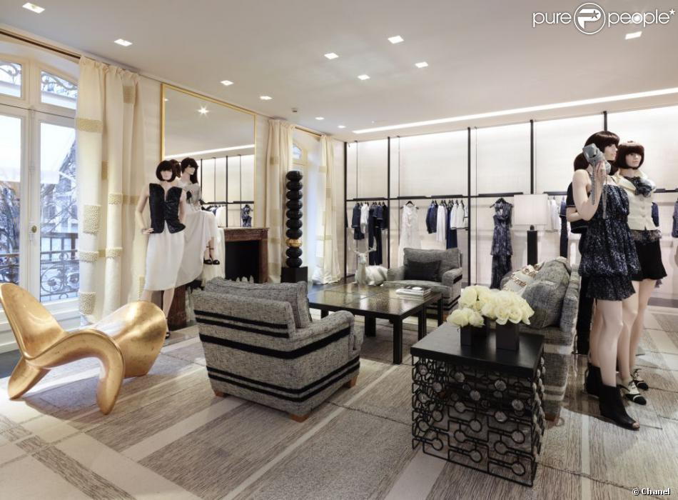 boutique chanel au 51 avenue montaigne paris purepeople. Black Bedroom Furniture Sets. Home Design Ideas