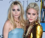 Les jumelles Ashley et Mary-Kate Olsen à New York lors des CFDA Fashion Awards 2011.