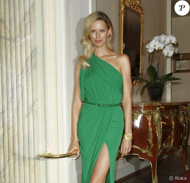 Karlina Kurkova, ravissante en Elie Saab, assistait aux Gala Spa Awards 2012 à Baden-Baden, le 17 mars 2012.