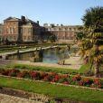 Les intérieurs et les jardins de Kensington Palace ont été rénovés pour le jubilé de diamant d'Elizabeth II, moyennant plus de 14 millions d'euros, et ouvriront au public le 26 mars 2012.