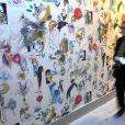 Un papier peint créé à partir de photos célèbres de Lady Di habille une exposition sur ses robes de légende :  Diana: Glimpses of a modern princess.    La reine Elizabeth II, accompagnée par son mari le duc d'Edimbourg, inaugurait la réouverture de Kensington Palace, le 15 mars 2012, au terme d'un chantier de rénovation de plus de 14 millions d'euros.