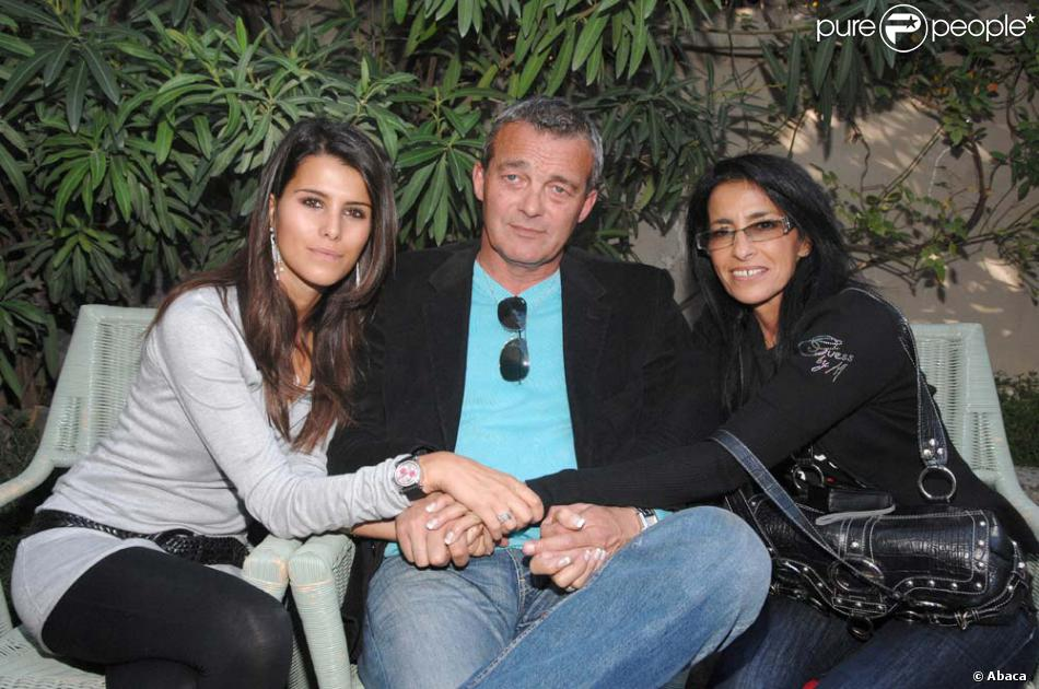 karine ferri et les parents de gr gory pierre et deborah lemarchal avignon le 6 octobre 2007. Black Bedroom Furniture Sets. Home Design Ideas