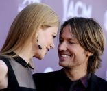 ACM Awards : Nicole Kidman et Keith Urban fous d'amour, Taylor Swift transformée