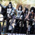 Kiss lors de la 47e cérémonie des American of Country Music (ACM) Awards, qui s'est déroulée le 1er avril 2012 au MGM Grand Garden Arena de Las Vegas.