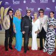 Les Rascal Flatts et leurs compagnes lors de la 47e cérémonie des American of Country Music (ACM) Awards, qui s'est déroulée le 1er avril 2012 au MGM Grand Garden Arena de Las Vegas.