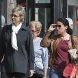 Jane Lynch et sa femme Lara Embry se sont rendues au centre de l'artisanat à Los Angeles le 24 mars 2012