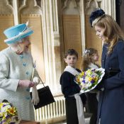 Princesse Beatrice : Un Jeudi saint court vêtue et complice avec Elizabeth II