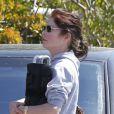 L'actrice Lara Flynn Boyle, défigurée par la chirurgie esthétique, se promène à Los Angeles, le samedi 31 mars 2012.