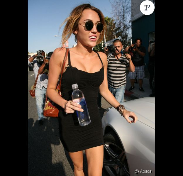 Miley Cyrus, très sexy, à la sortie de son cours de Pilates à West Hollywood, Los Angeles