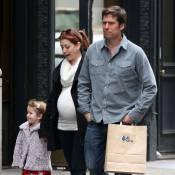 Alyson Hannigan : Très enceinte, elle profite de sa grossesse en famille