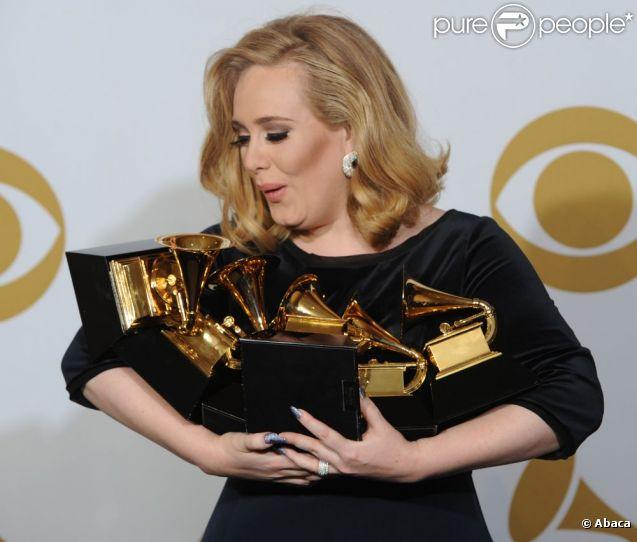 La  Rich List  du  Sunday Times  place en avril 2012 Adele en tête des musiciens britanniques les plus riches : sa fortune, qui a augmenté de 14 millions de livres en 2011 grâce à l'album  21 , est estimée à 20 millions d'euros.