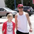 Ryan Phillippe avec sa fille Ava, complices, à Los Angeles, le 29 mars 2012