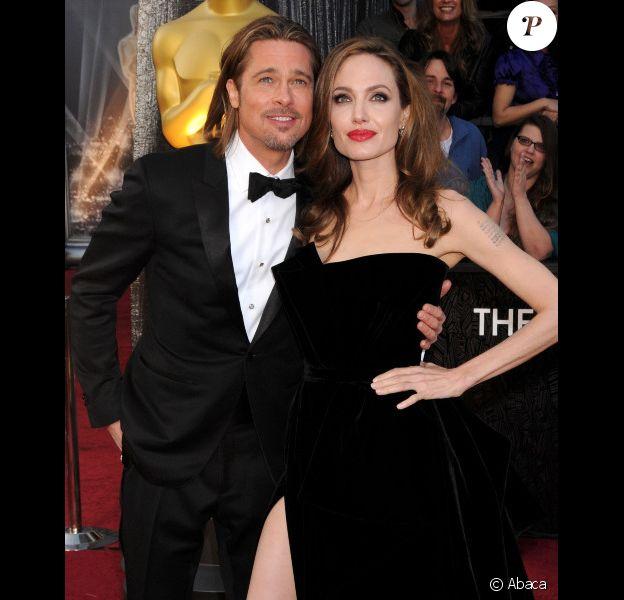 Brad Pitt et Angelina Jolie lors des Oscars en février 2012 à Los Angeles.