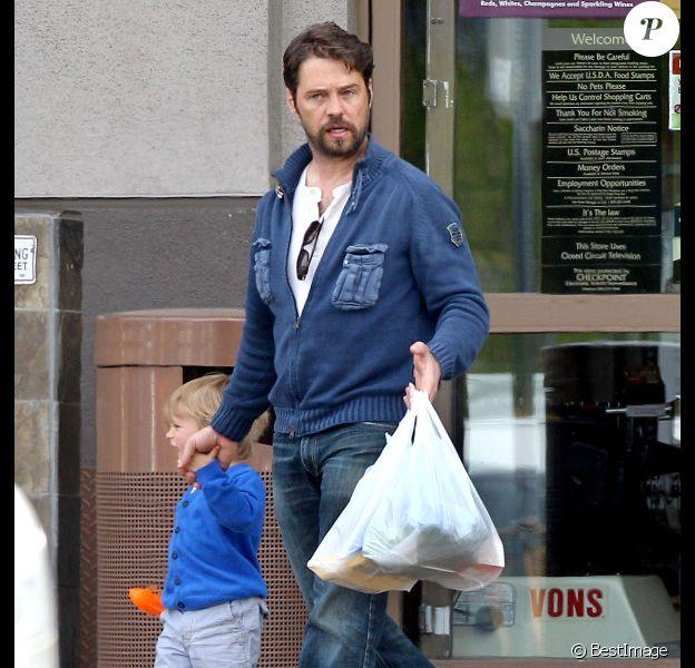 Jason Priestley et son fils Dashiell Orson le 12 avril 2012 à Burbank