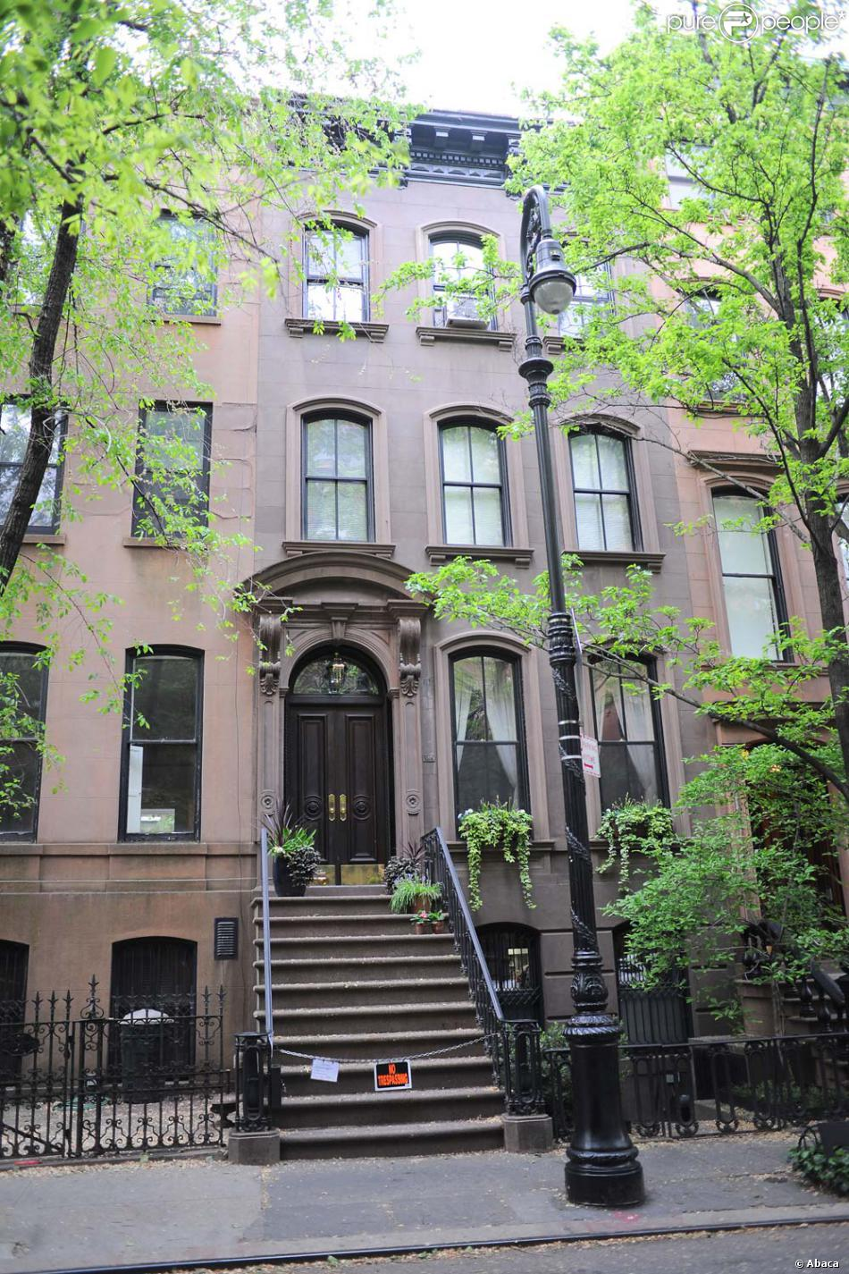 Le c l bre perron du 64 perry street new york o tait sens se trouver le - Appartement a acheter new york ...