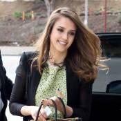 Jessica Alba : De retour à L.A. en femme d'affaires, elle se jette dans l'arène