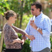 Molly Sims enceinte et radieuse, partage les joies de la grossesse avec son mari