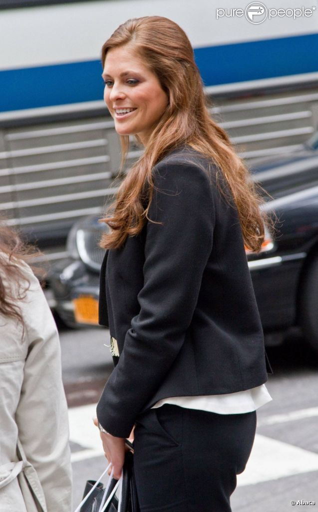 La princesse madeleine de su de la sortie de la chambre for Chambre de commerce new york