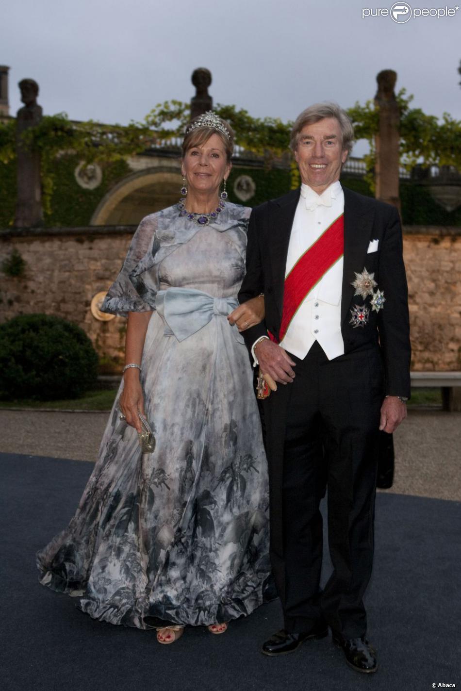 Le prince Leopold de Bavière et la princesse Ursula au mariage du prince  Georg Friedrich de Prusse et de Sophie d\u0027Isembourg le 27 août 2011 à  Potsdam.