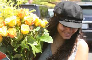 Vanessa Hudgens: Les fleurs offertes par son chéri délivrent un drôle de message