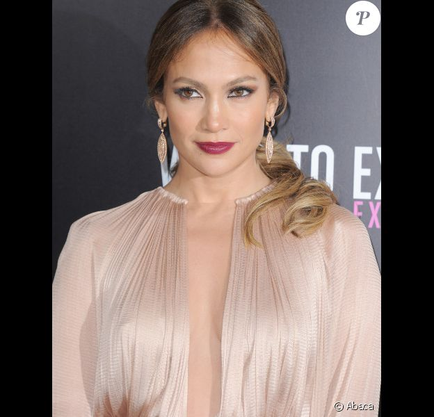 Jennifer Lopez à l'avant-première de la comédie Ce qui vous attend si vous attendez un enfant, à Los Angeles le 14 mai 2012.