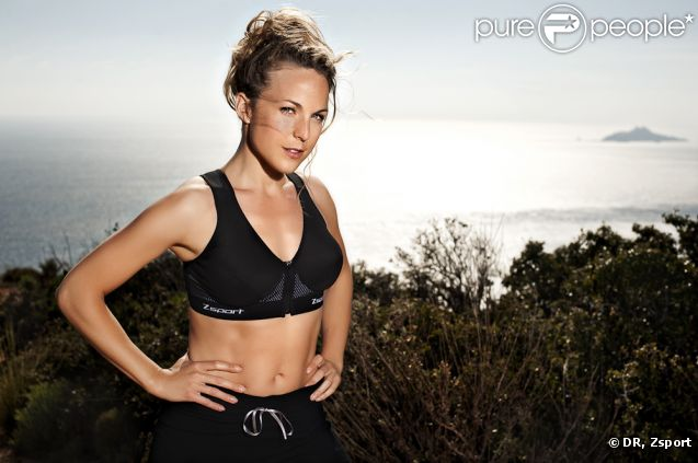 Aurélie Vaneck fait la promotion des sous-vêtements de sport Zsport.