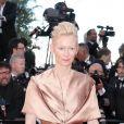 Tilda Swinton sur le tapis rouge de l'ouverture du festival de Cannes 2012 le 16 mai