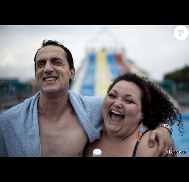A gauche, le visage d'Aniello Arena dans le film Reality