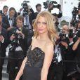 L'actrice Heike Makatsch à l'entrée du Palais des Festivals pour la projection du film Lawless. Cannes, le 19 mai 2012.