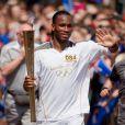 Didier Drogba était l'un des 129 relayeurs de la torche olympique au 5e jour de son périple, le 23 mai 2012, qui s'est achevé avec Zara Phillips et Toytown portant la flamme à l'hippodrome de Cheltenham.