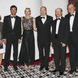 Le prince Albert et la princesse Charlene de Monaco, ici avec Mark Webber et son épouse Ann Neal ainsi que Ron Howard et Guy East, donnaient le 27 mai au Sporting Club de Monte-Carlo un dîner de gala ponctuant, dans le faste et la bonne humeur, le Grand Prix de Monaco 2012. Le vainqueur de la course Mark Webber et sa femme Ann Neal étaient leurs invités spéciaux.