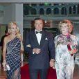 Le prince Charles et la princesse Camilla de Bourbon-Siciles.   Le prince Albert et la princesse Charlene de Monaco donnaient le 27 mai au Sporting Club de Monte-Carlo un dîner de gala ponctuant, dans le faste et la bonne humeur, le Grand Prix de Monaco 2012. Le vainqueur de la course Mark Webber et sa femme Ann Neal étaient leurs invités spéciaux.
