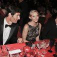 Mark Webber, vainqueur du Grand Prix de Monaco 2012, a captivé son auditoire...   Le prince Albert et la princesse Charlene de Monaco donnaient le 27 mai au Sporting Club de Monte-Carlo un dîner de gala ponctuant, dans le faste et la bonne humeur, le Grand Prix de Monaco 2012. Le vainqueur de la course Mark Webber et sa femme Ann Neal étaient leurs invités spéciaux.