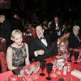 Le prince Albert, visiblement ravi, et la princesse Charlene de Monaco donnaient le 27 mai au Sporting Club de Monte-Carlo un dîner de gala ponctuant, dans le faste et la bonne humeur, le Grand Prix de Monaco 2012. Le vainqueur de la course Mark Webber et sa femme Ann Neal étaient leurs invités spéciaux.