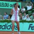 Virginie Razzano a triomphé de Serena Williams au 1er tour de Roland-Garros 2012, le 29 mai, à l'issue d'un match fou de 3h04. Un an après avoir joué la mort dans l'âme, en deuil de son fiancé Stéphane, la Française ''goûte au pain blanc'' et savoure...