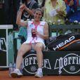Virginie Razzano a battu Serena Williams au 1er tour de Roland-Garros 2012, le 29 mai, à l'issue d'un match fou de 3h04. Un an après avoir joué la mort dans l'âme, en deuil de son fiancé Stéphane, la Française ''goûte au pain blanc'' et savoure...