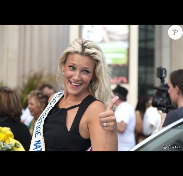 Christelle Roca, Miss Prestige National 2012 a le sourire à l'élection Super Mamie 2012 au Casino de Nice, le 3 juin 2012