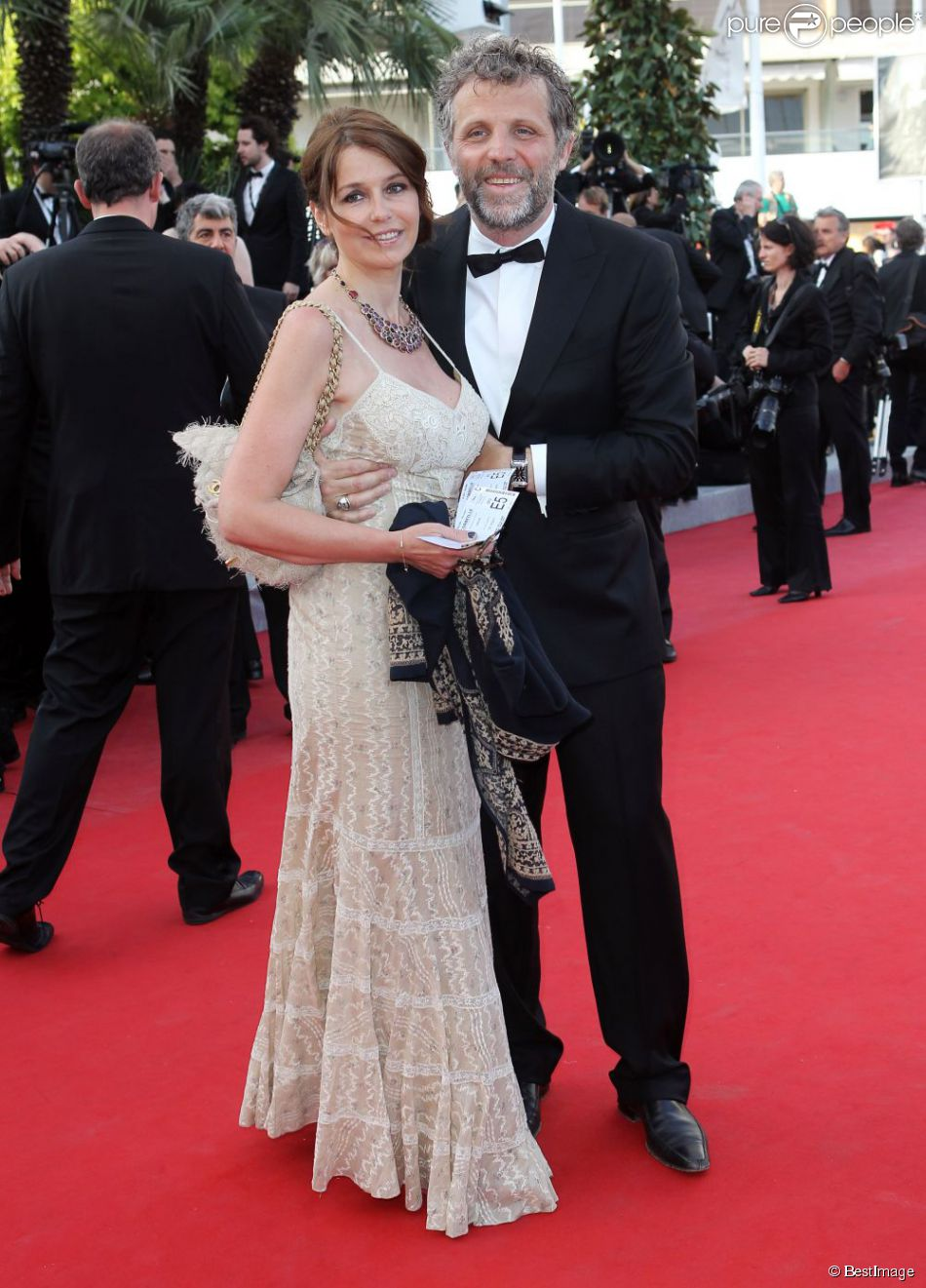 st phane guillon et sa femme muriel cousin en mai 2012 cannes purepeople. Black Bedroom Furniture Sets. Home Design Ideas