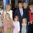 La princesse Maxima et le prince Willem-Alexander des Pays-Bas le 5 juin 2012 avec leurs trois filles - Catharina-Amalia, Alexia, Ariane - de sortie pour un concert à Amsterdam.