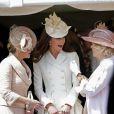 La comtesse de Wessex, Kate Middleton, duchesse de Cambridge, et Camilla Parker Bowles, duchesse de Cornouailles, lors de la cérémonie de l'Ordre de la Jarretière au château Windsor, à Londres, le 18 juin 2012