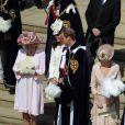 Camilla Parker Bowles, Kate Middleton et le prince William lors de la cérémonie de l'Ordre de la Jarretière se déroulant du château Windsor à la chapelle Saint Georges, le 18 juin 2012