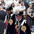 Prince William et prince Charles lors de la cérémonie de l'Ordre de la Jarretière se déroulant du château Windsor à la chapelle Saint Georges, le 18 juin 2012
